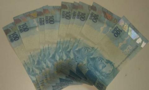 Dupla é presa após comprar produtos com notas falsas em farmácia e tenta subornar policiais na Bahia
