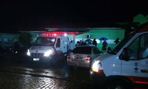 Acidente com micro-ônibus deixa mortos e feridos na BR-324