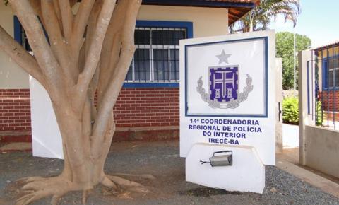 Homem é preso após invadir escola e tentar matar a companheira com 12 facadas na BA