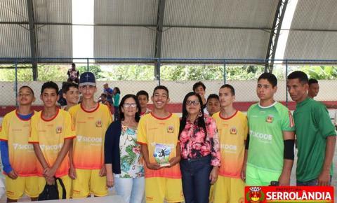 Jogos Estudantis de Futebol em comemoração aos 57 anos de Emancipação Politica são realizados em Serrolândia