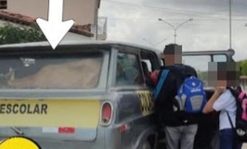 Alunos são transportados juntos com animais em Quixabeira na Bahia