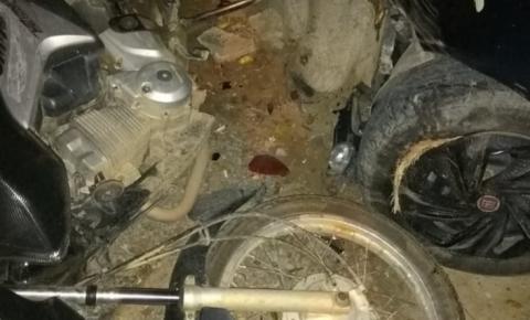 Acidente no centro da cidade de Quixabeira deixa dois feridos