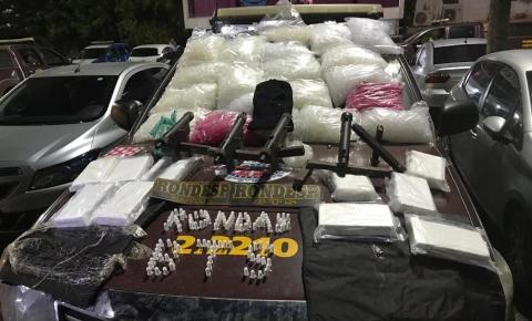 Quatro submetralhadoras e 20 kg de pasta base de cocaína são apreendidos em Salvador