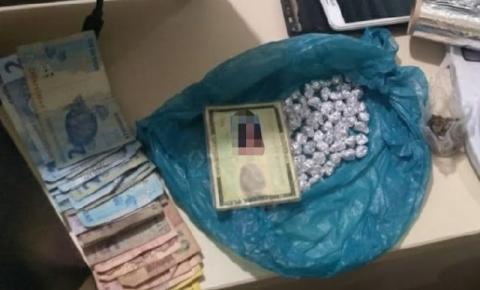Polícia Militar prende mulher suspeita de tráfico de drogas em Jacobina