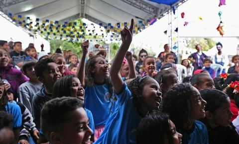 Estudantes movimentam segundo dia da Feira Literária de Mucugê