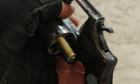 Polícia Militar prende homem por porte ilegal de arma de fogo em Ourolândia