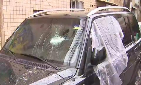 Grupo encapuzado invade bairro em Salvador, destrói veículos e aterroriza moradores