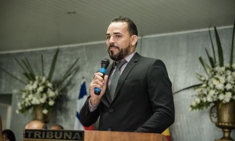 Vereador Clebinho de Silé faz denúncias na Tribuna da Câmara e pede demissão de Médica do Hospital de Serrolândia