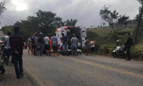 Motociclista sofre ferimentos ao cair na BR-324, próximo ao acesso para Itaitu