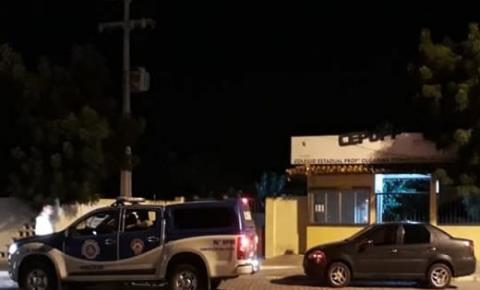 Bandidos invadem colégio estadual e roubam professores e alunos no interior da Bahia