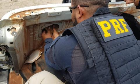 PRF, com apoio da PM/PE, apreende 29 kg de cocaína na região de Juazeiro