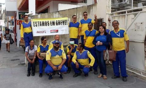 Em Jacobina funcionários dos Correios entram em greve por reajuste salarial e contra privatização