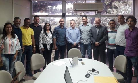Prefeito de Serrolândia e comitiva se reúnem com Diretor da AGERBA em Salvador