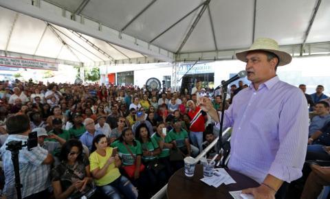 Em Paramirim, Rui entrega novas instalações de colégio estadual e anuncia novos investimentos