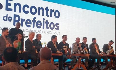 Prefeito de Capela Dr Nei participa de painel sobre Cidades Inteligentes e mais Seguras no 7º Encontro de Prefeitos