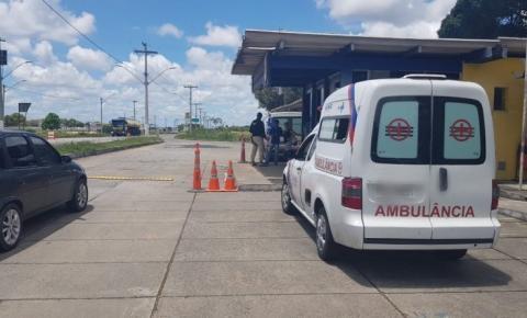 Motorista com CNH falsa é flagrado dirigindo ambulância na BR 407