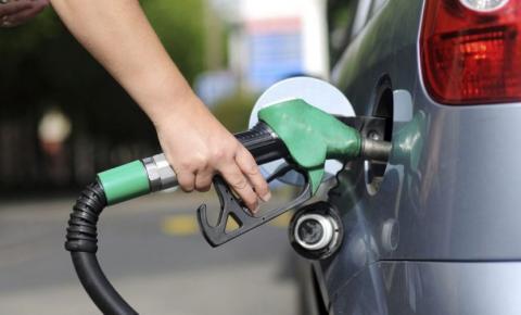 Postos de combustíveis terão que usar mangueiras transparentes em Feira de Santana