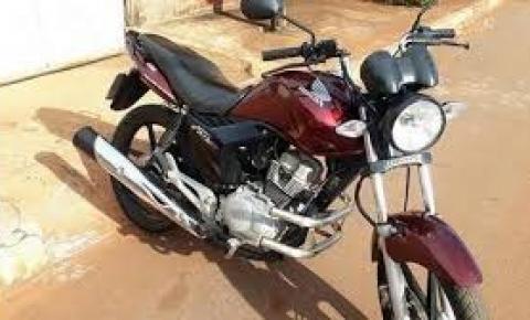 Moto Honda CG 150, vinho, placa NZO 5766 é tomada de assalto na região do Mucambo