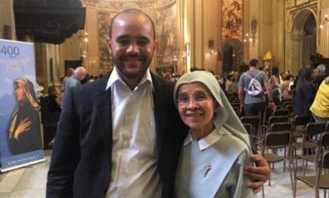 Serrolandenses prestigiam canonização da freira baiana Irmã Dulce na Cidade do Vaticano