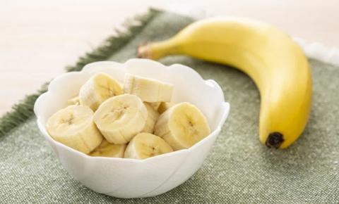 Cinco razões para comer uma banana antes de dormir