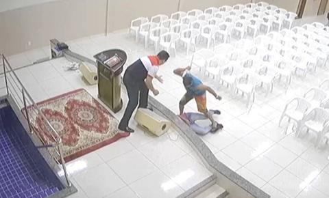 Câmeras registram momento em que adolescente é morto a facadas dentro de igreja evangélica