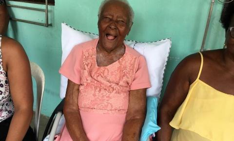 Familiares de idosa com 118 anos na BA tentam inclusão no Livro dos Recordes