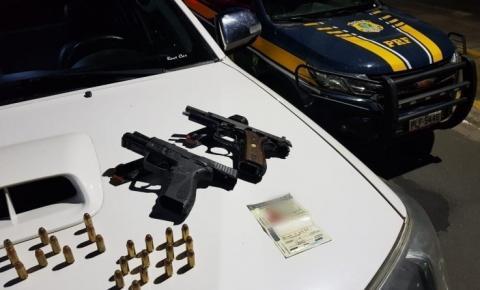 Após ultrapassagem proibida, PRF apreende duas pistolas cal. 40 e munições na BR 101