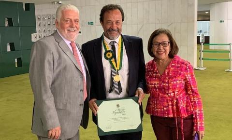 Bel Borba recebe Medalha de Honra do Mérito da Câmara Federal