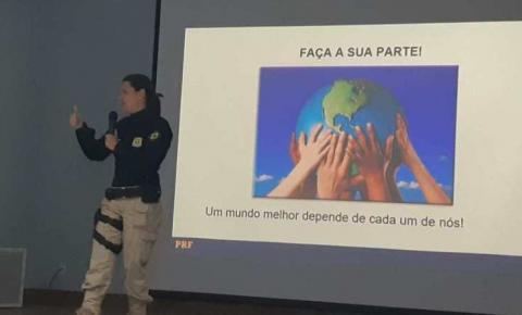 PRF participa de palestra beneficente de Prevenção e Educação no Trânsito em Jacobina (BA)