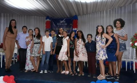 Evento de autógrafos da Escola Arco-Iris em Serrolândia
