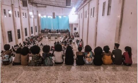 Jovem usa redes sociais para denunciar racismo ocorrido dentro da Igreja evangélica em Jacobina