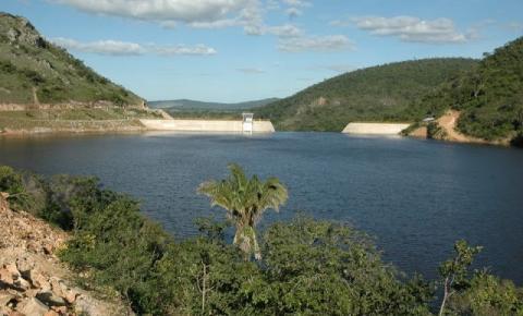 Canoa vira na Barragem de Pindobaçu e duas mortes já foram confirmadas, podendo haver uma terceira