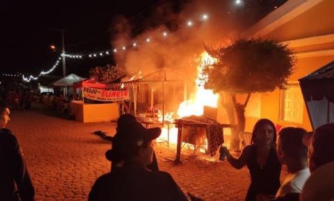Incêndio em barraca causa correria no Carnaval de Itaitu de Jacobina