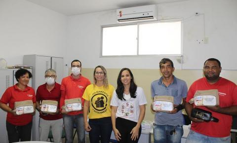 Prefeitura de Serrolândia entrega Kit de higienização e proteção para os motoristas