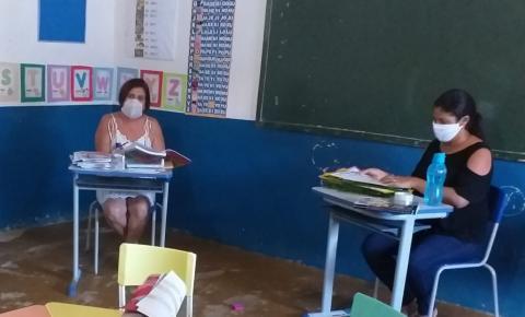 Escola Erundina Vieira em Miguel Calmon usa estratégias para levar atividades pedagógicas a estudantes
