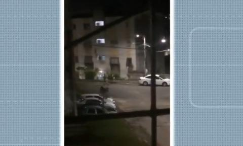 Troca de tiros entre facções assusta moradores de Cajazeiras VII, em Salvador
