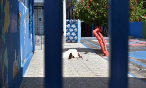 Homem é morto a tiros ao levar filho em colégio para buscar atividades escolares