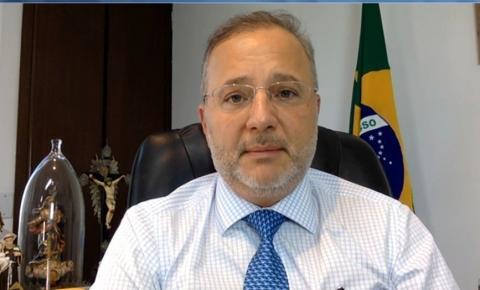 Bahia é único estado do Nordeste a testar vacina contra Covid-19; secretário explica andamento