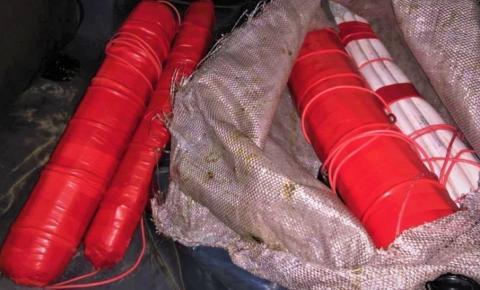 Bananas de dinamite são apreendidas em caminhonete de luxo na BA; explosivo seria usado em assalto a carros-fortes, diz PRF