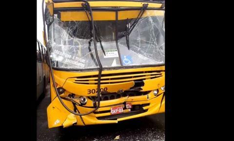 Ex-funcionário de empresa de ônibus é detido após sequestrar veículo e invadir garagens em Salvador