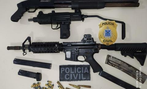Jovem é preso com fuzil, metralhadora e cerca de 100 kg de drogas em condomínio de luxo de Feira de Santana