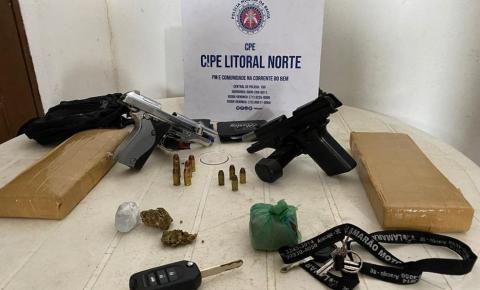 Dois suspeitos de tráfico morrem em troca de tiros com policiais; eles estavam em carro com vidros blindados