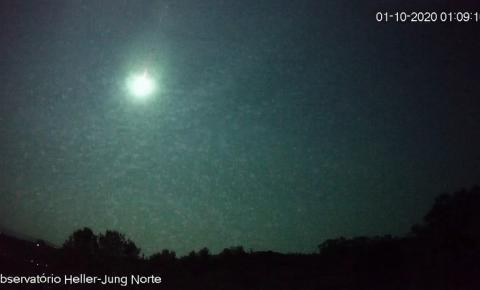 Observatório registra meteoro com luminosidade maior que a Lua em Caxias do Sul; veja vídeo