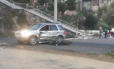 Colisão entre carro e moto na saída de Jacobina, sentido Salvador