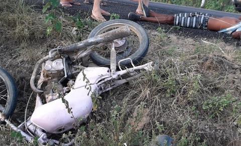 Homem sofre queda de moto na BR 324, no distrito do Junco de Jacobina
