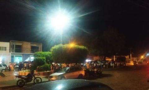 Oração comunitária pede paz em Caatinga do Moura de Jacobina; 3 jovens morreram no último final de semana