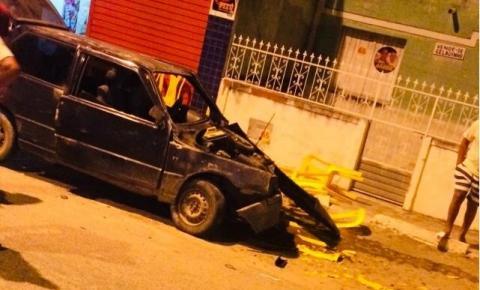 Motorista invade contramão e colide em outro carro em Serrolândia