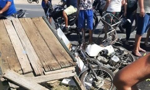 Acidente entre motocicleta e uma carroça deixa uma pessoa ferida em Capim Grosso