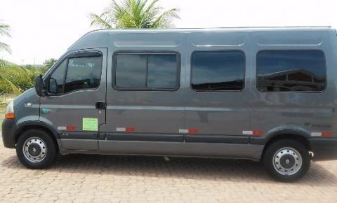 Van com passageiros de Serrolândia é assaltada em Minas Gerais.