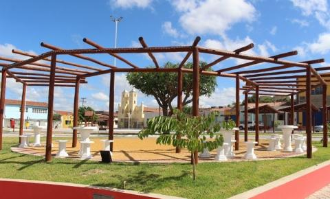 Praça Manoel Novaes em Serrolândia é reinaugurada